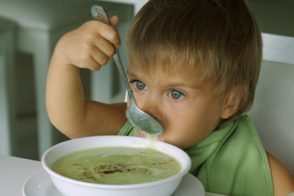 ВЧелябинске воспитательница детсада накормила ребенка супом срвотой