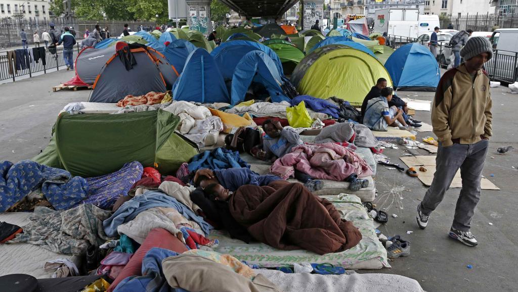 Встолице франции зафиксирован рост насилия поотношению кбеженцам