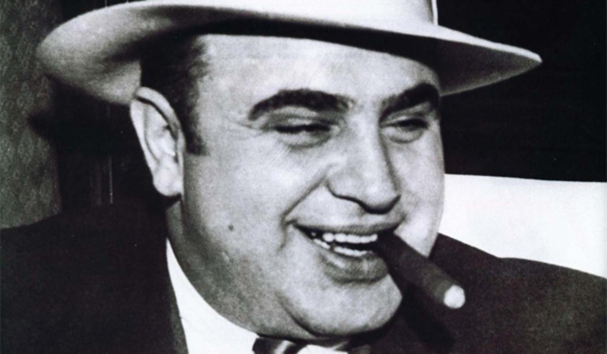 Начальник мафии. Появились первые кадры Тома Харди вобразе Аль Капоне