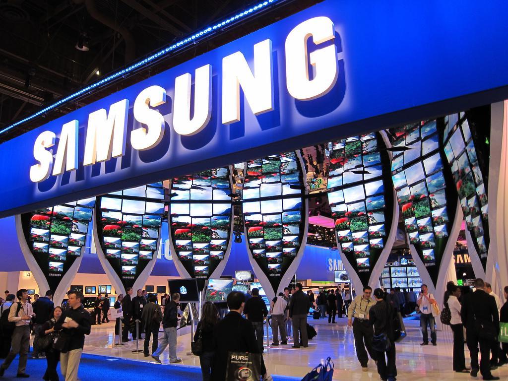 Самсунг запатентовала смартфон сраздвижным экраном