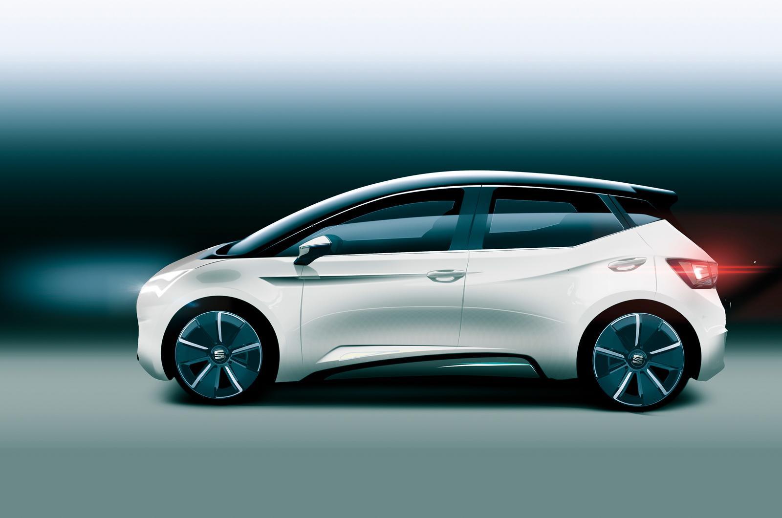 Сеат анонсировал премьеру первого электромобиля тизером фары