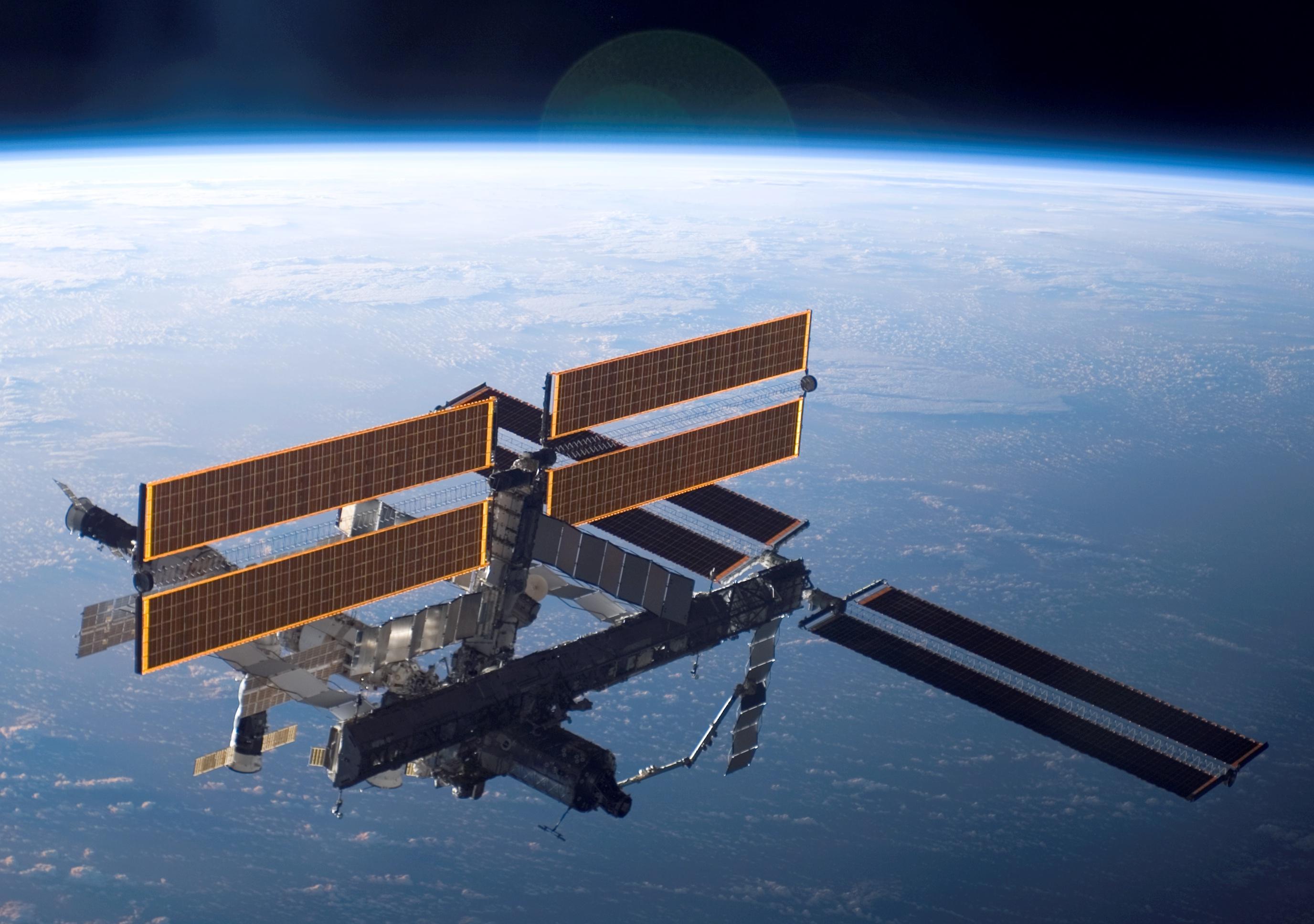 Корабль сновой экспедицией состыковался сМКС
