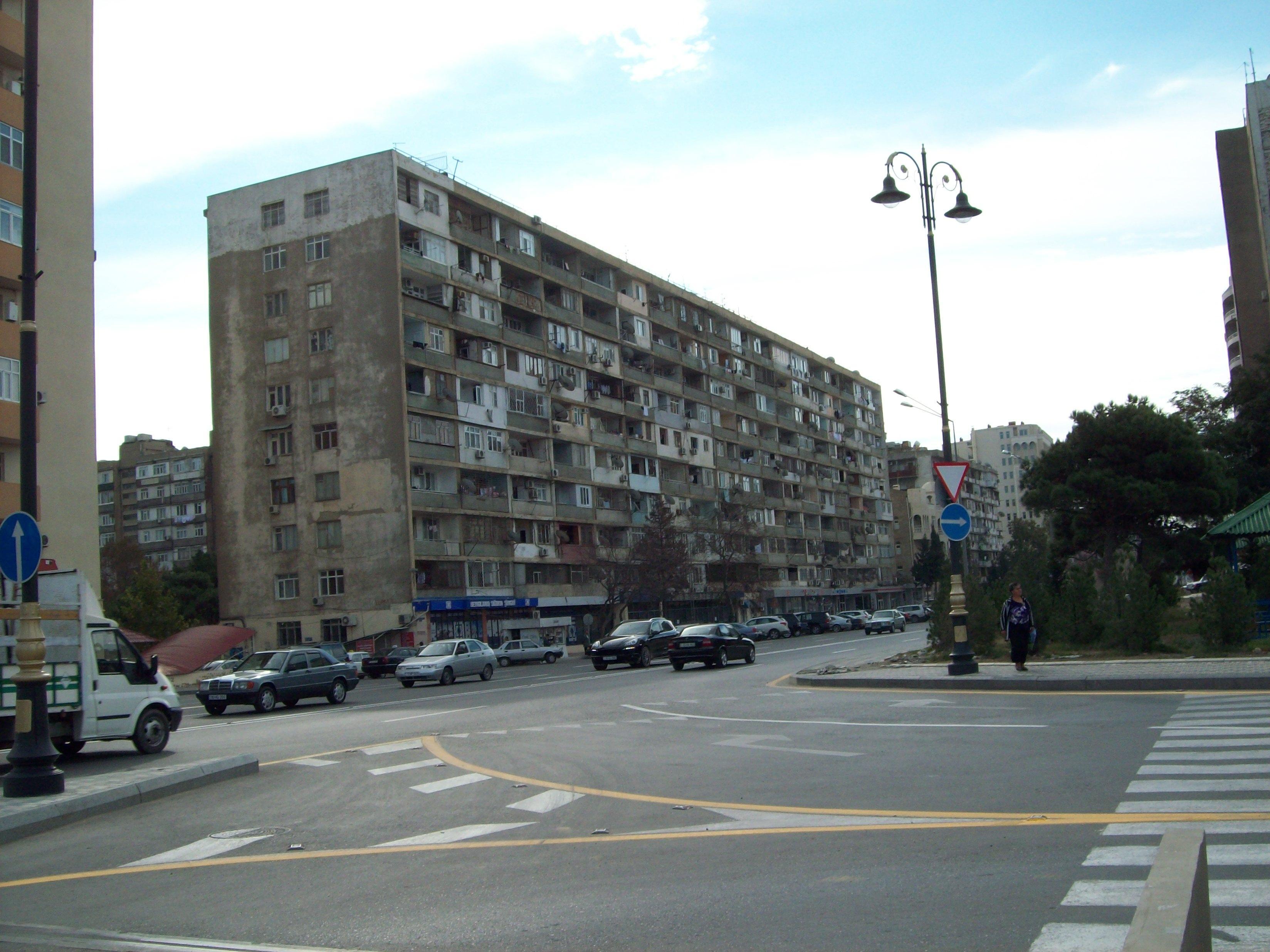 В социальных сетях проинформировали обобрушении части стены жилого дома вКемерове