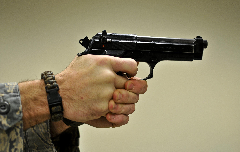 88-летний слабоумный житель америки  расстрелял проститутку из-за 20 долларов