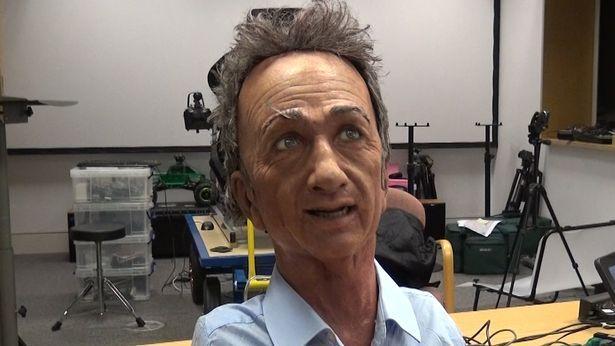 Создали робота, повторяющего мимику человека