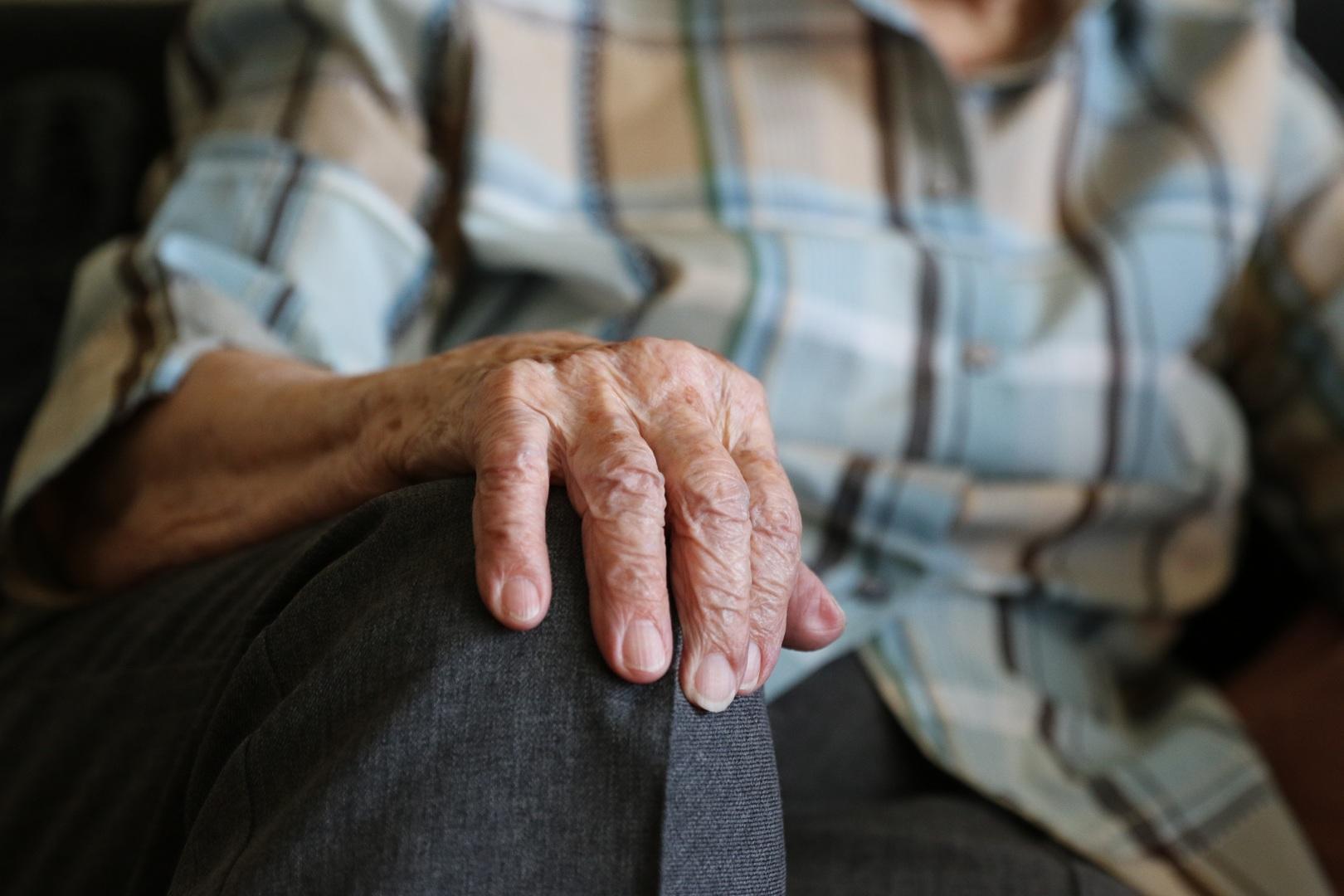 ВРязани попытка задушить супругу повернулась пенсионеру статьейУК РФ