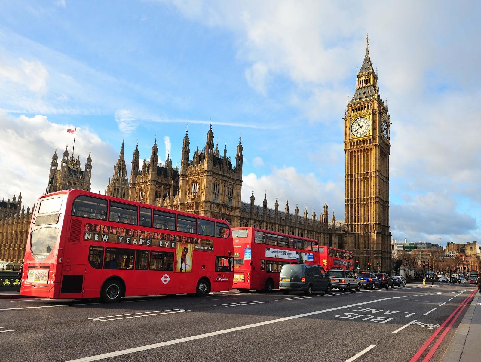 Встолице Англии посоветовали ограничить обслуживание евробондовРФ