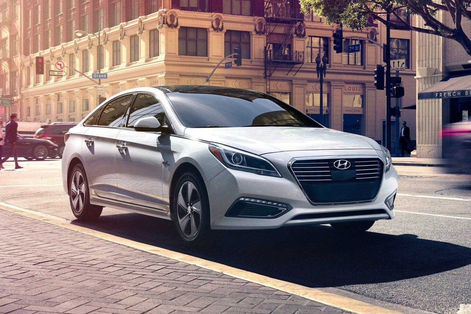 На «Автоторе» началось производство седана Хёндай Sonata