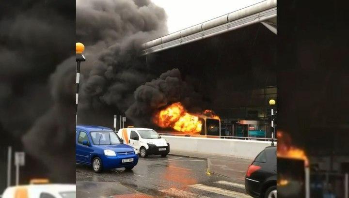 Влондонском аэропорту Станстед отменили все вылеты из-за пожара