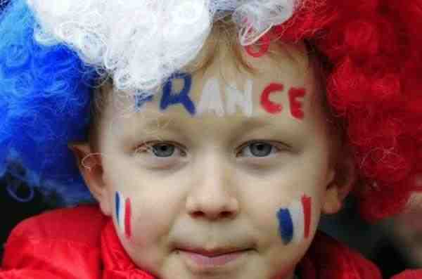 Во Франции запретят секс с детьми