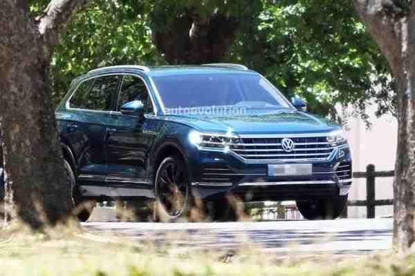 Опубликован видеотизер нового кроссовера Volkswagen Touareg