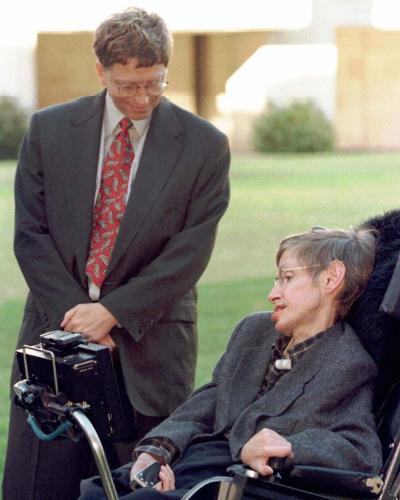 Поклонники Билла Гейтса просят его заморозить тело Стивена Хокинга