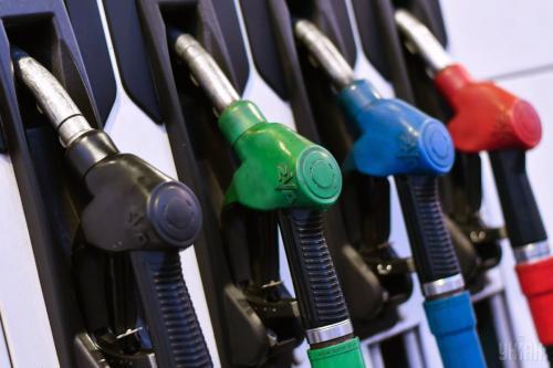 Стоимость бензина начала плавно падать в центральном регионе