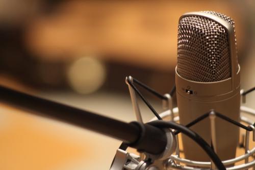 Судьи «Ты супер!» покорены песней 16-летней сироты из Биробиджана