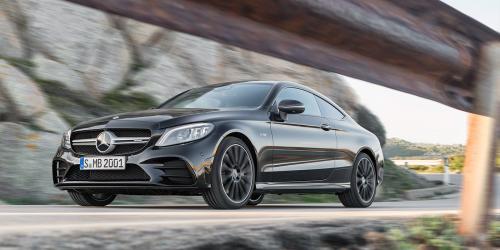 Mercedes-Benz рассекретил до премьеры обновлённые купе и кабриолет C-Class