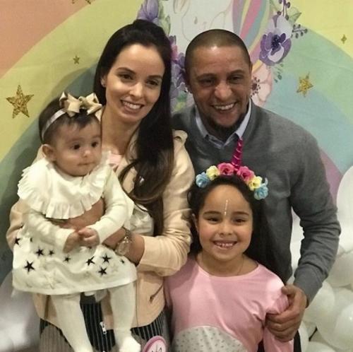 Роберто Карлос попросил детей и экс-жену убираться из семейного дома