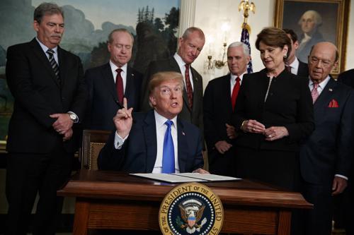 Минпромторг призывает жаловаться в ВТО на ввозные налоги США на сталь