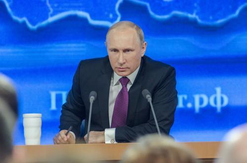 Песков рассказал о разговоре Путина с другими кандидатами в президенты