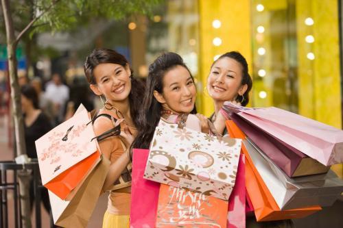 В Китае для шопинга можно взять подругу напрокат