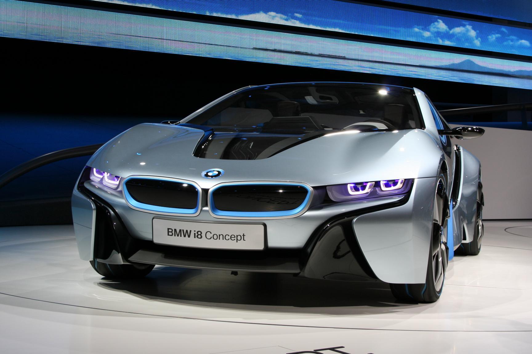 Вкомпании БМВ неспешат выпускать электромобили