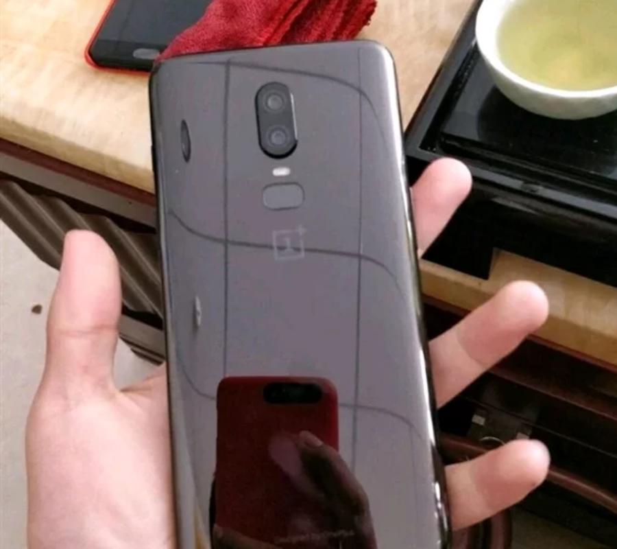 Стала известна цена смартфона OnePlus 6