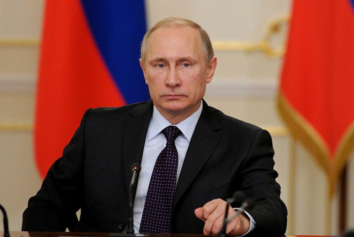 Путин поздравил автомобильный журнал «Зарулем» с90-летним юбилеем