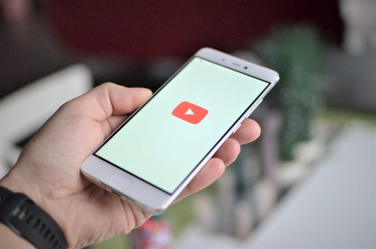 YouTube добавил формат короткой рекламы соплатой за 5 секунд просмотра