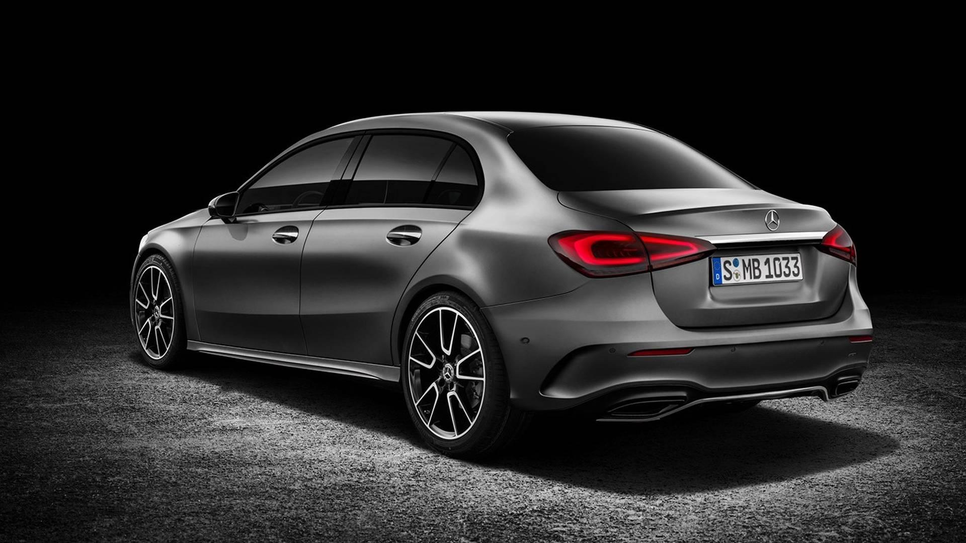 Вконце апреля Mercedes покажет седан A-class class=