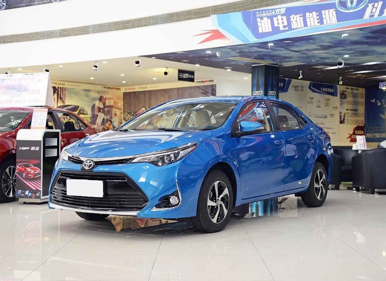 Нарынке появился топовый вариант седана Toyota Levin