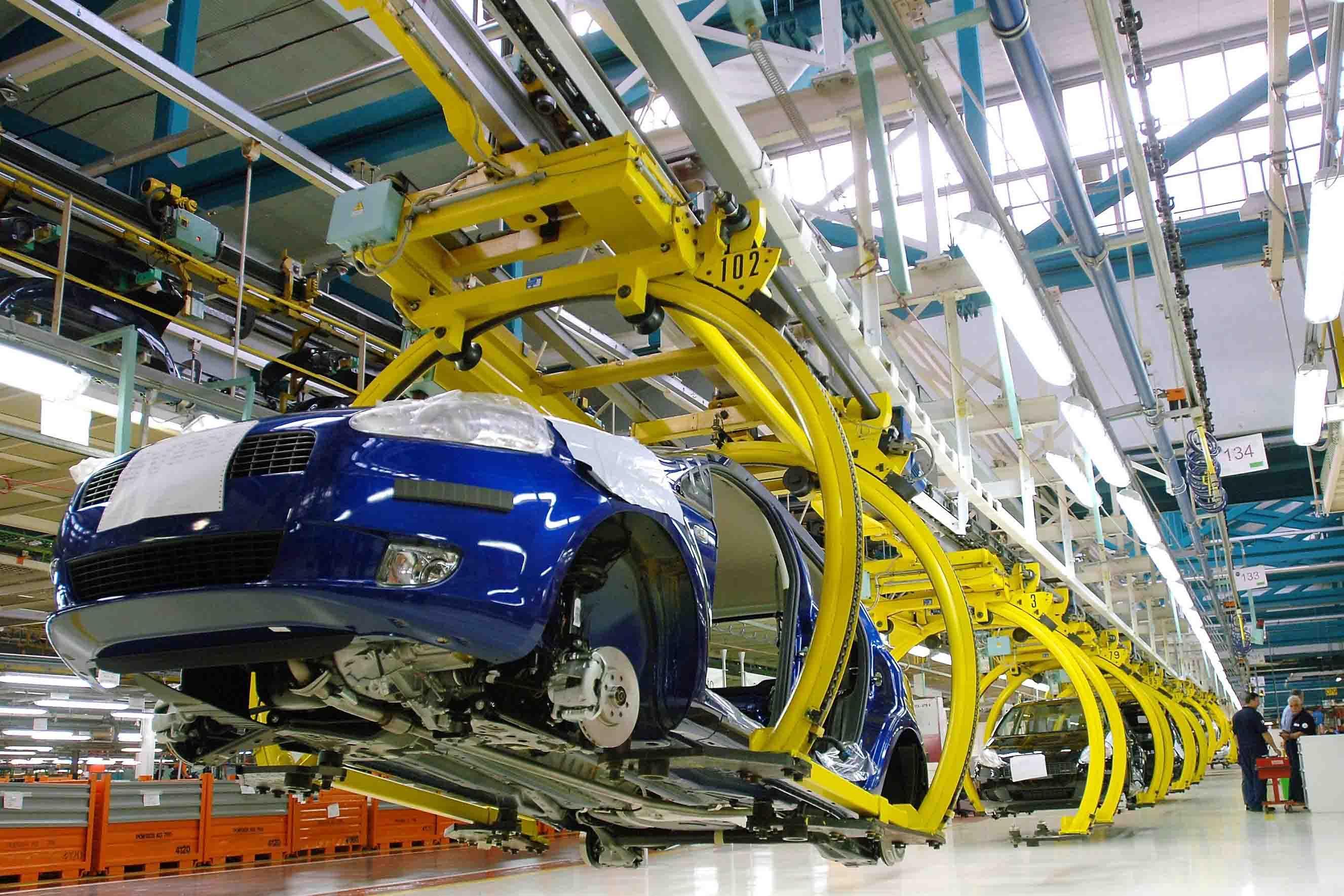 Производство легковых автомобилей  в РФ  выросло практически  на20%
