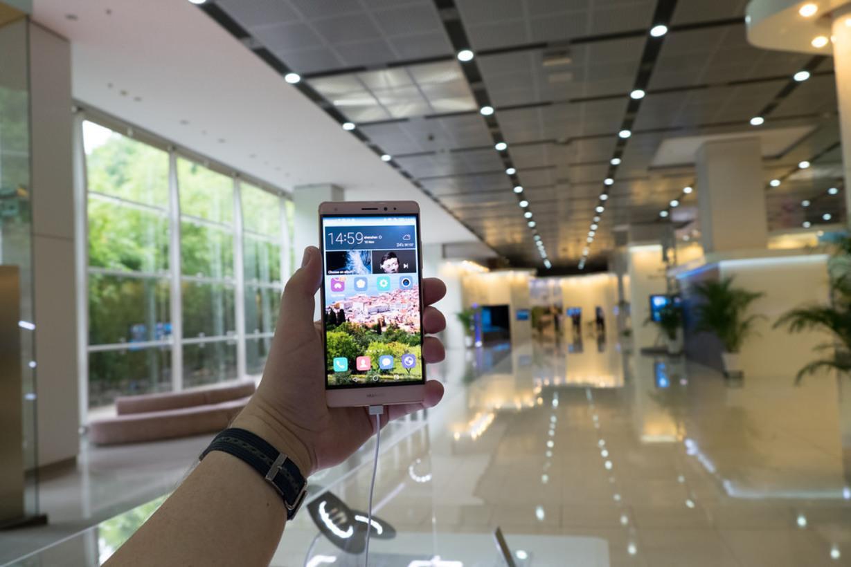 Huawei анонсировала смартфон Y6 за150 долларов