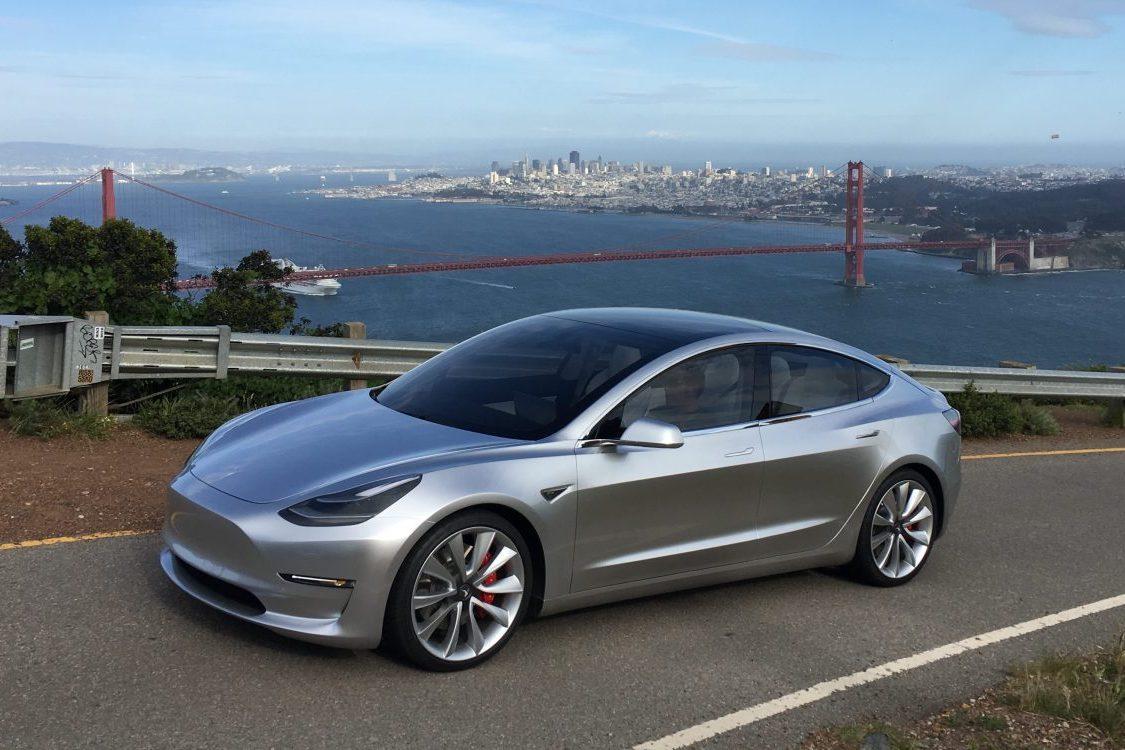 Tesla вновь приостановила производство Model 3 назаводе вКалифорнии