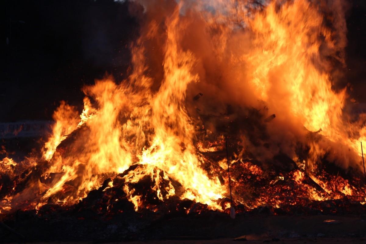 Наавтостоянке насеверо-востоке столицы сгорело 9 авто