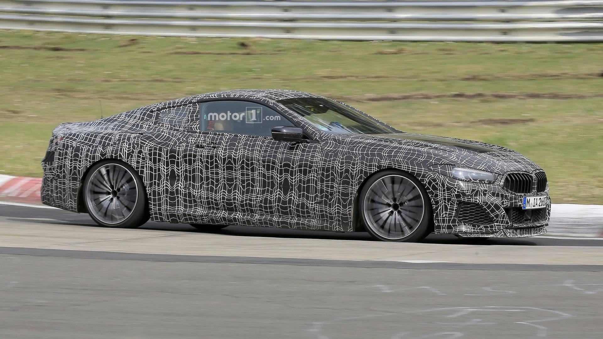 Купе икабриолет BMW 8 Series были замечены натрассе Нюрбургринг