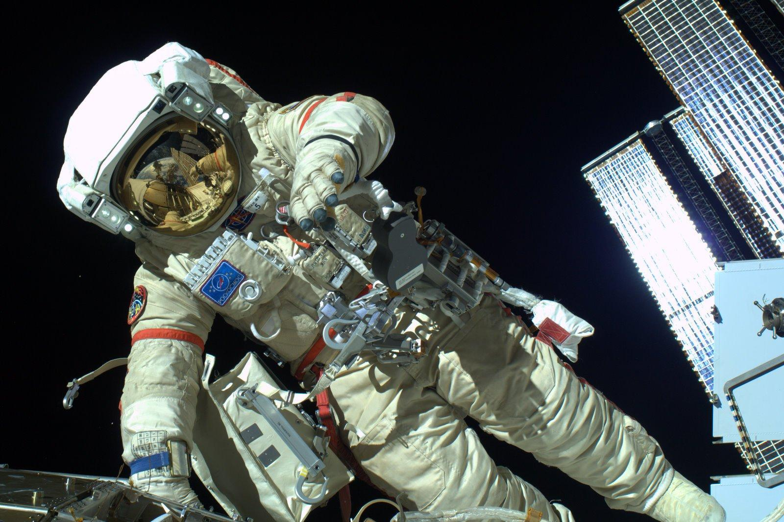 США вынуждаютРФ строить лунную станцию по североамериканским стандартам