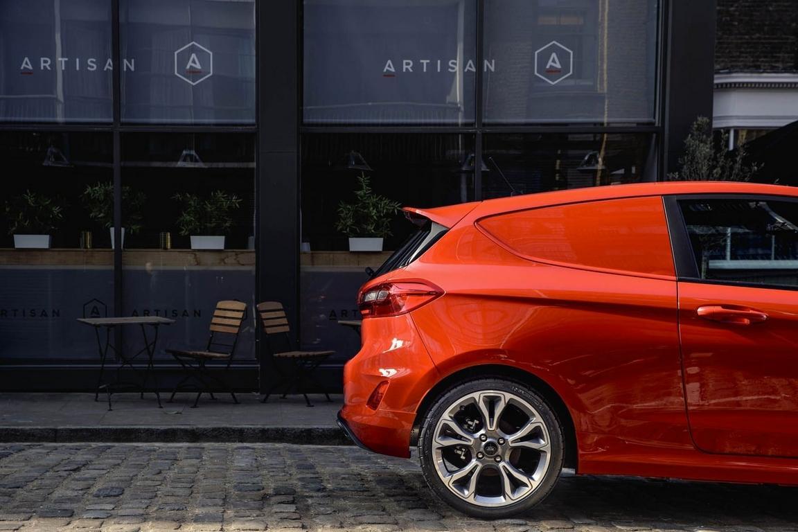 Хэтчбек Форд Fiesta превращен в«грузовик»