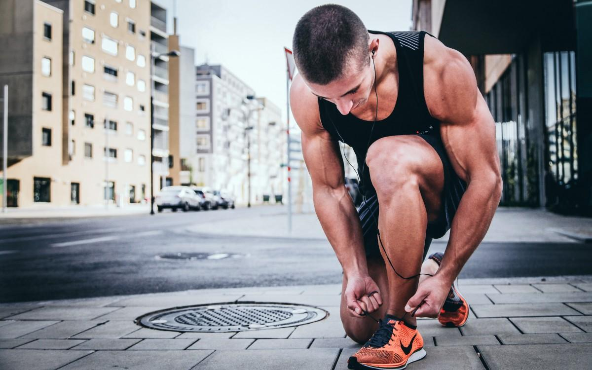 Обнаженный фитнес