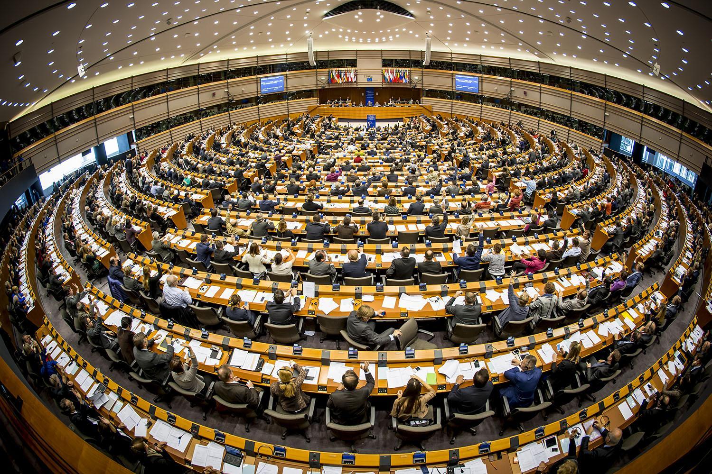 Народные избранники Европарламента просятЕС ужесточить санкции против РФ
