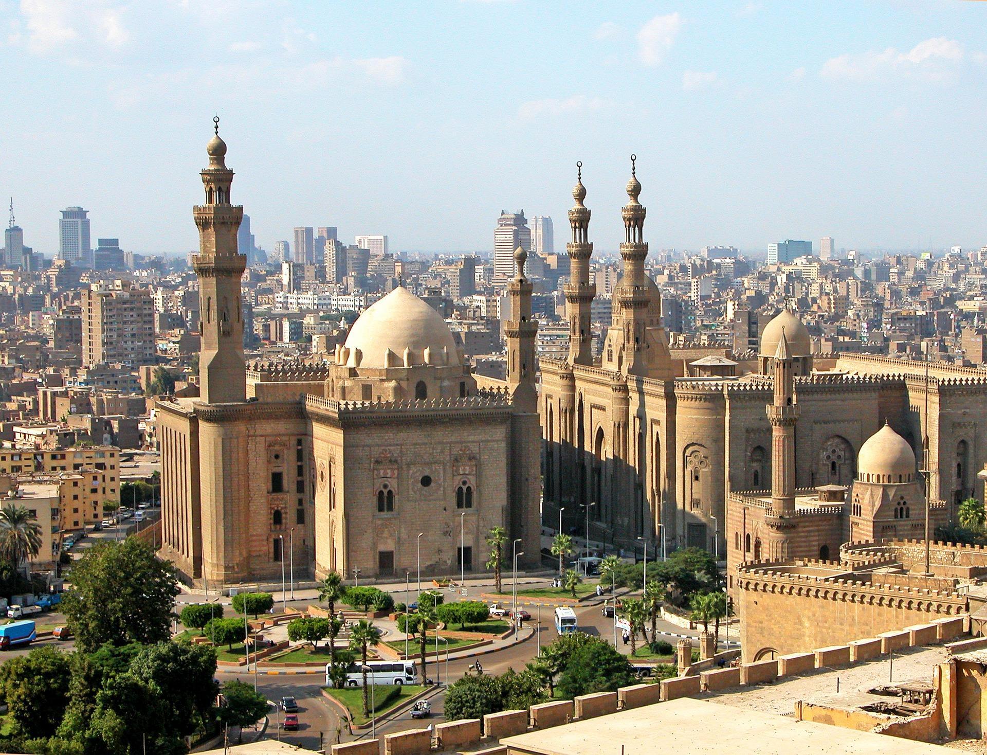 ПосольствоРФ проверяет информацию озадержании вЕгипте 17 граждан России сдетьми