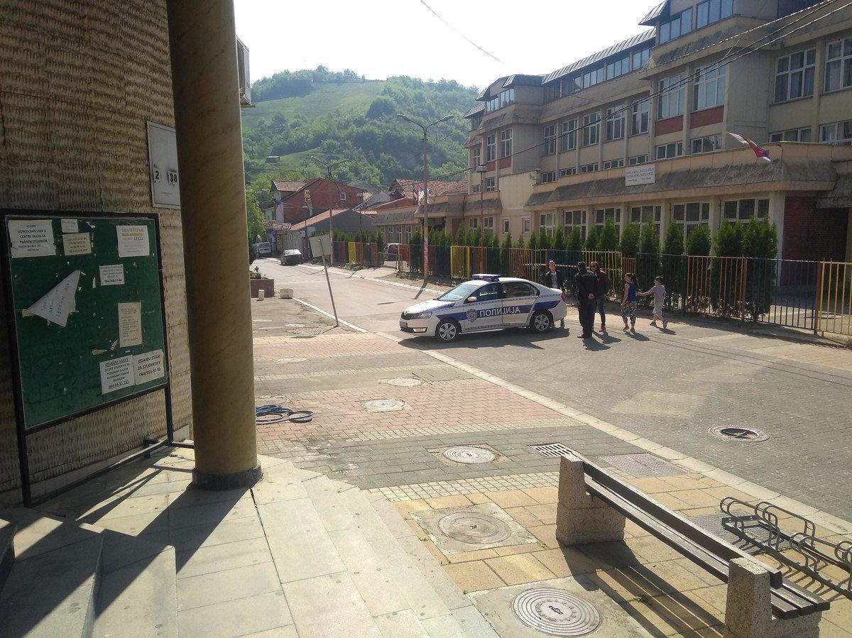 ВСербии мужчина забаррикадировался вдоме и грозил подорвать ручную гранату