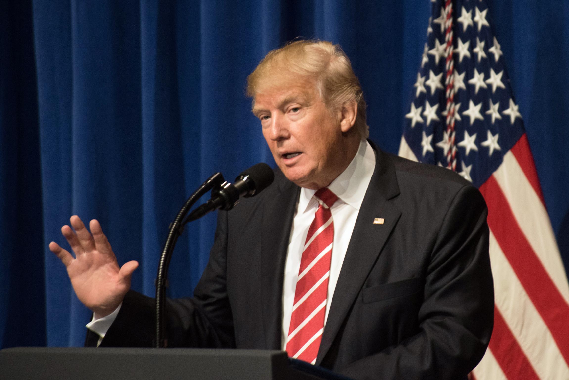 Трамп: Путин сеет хаос вСША