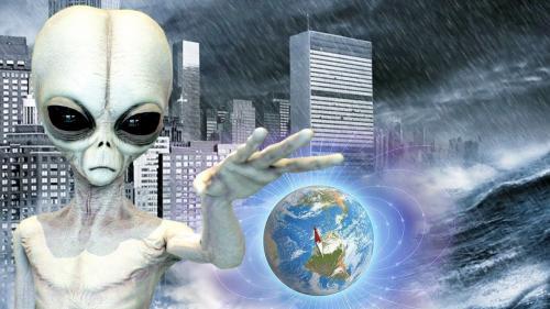 Инопланетное вторжение начинается?: Великобританию окружили синие НЛО