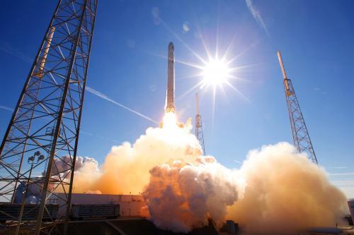 SpaceX много лет незаконно транслировала запуск ракет в космос без лицензии