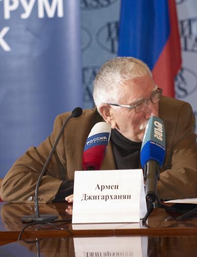 Элина Мазур рассказала о здоровье Армена Джигарханяна