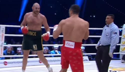 Боксер-обидчик Кличко признался в любви к лишнему весу
