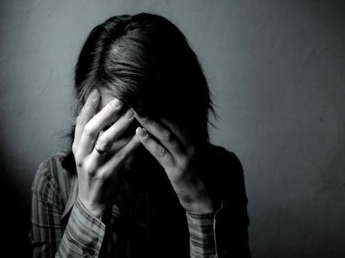 Житель Ленобласти несколько раз изнасиловал школьницу и попал под стражу