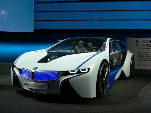 BMW показала дизайн новой операционной системы