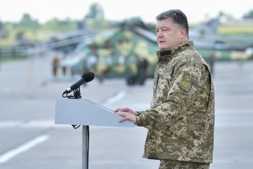 Жители Крыма могут лишиться украинского гражданства - Порошенко