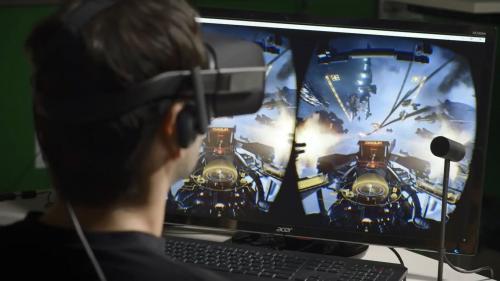 Во Франции школьники собрали шлем виртуальной реальности за $100