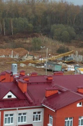 В Смоленске ураган обрушил строительный кран